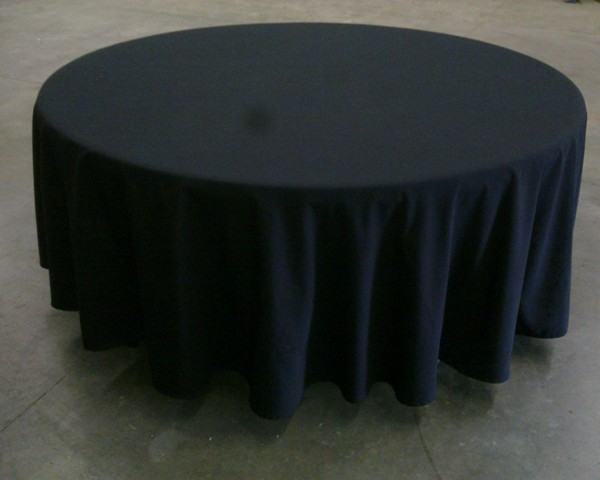 1.65 Round With Black Table Lay