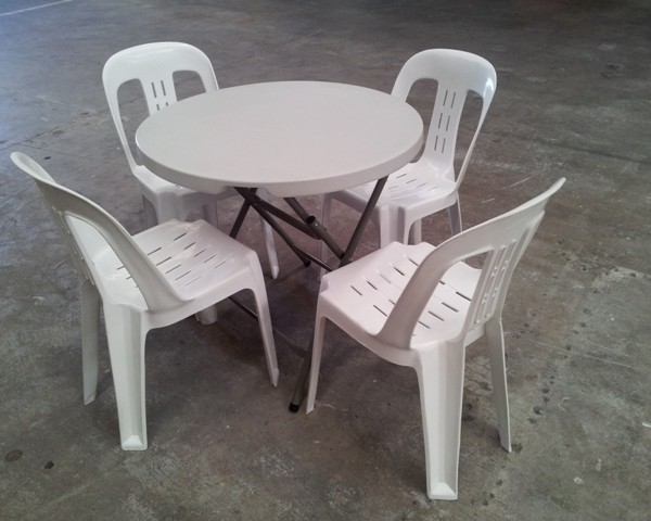 80cm Round With Out Door Chairs