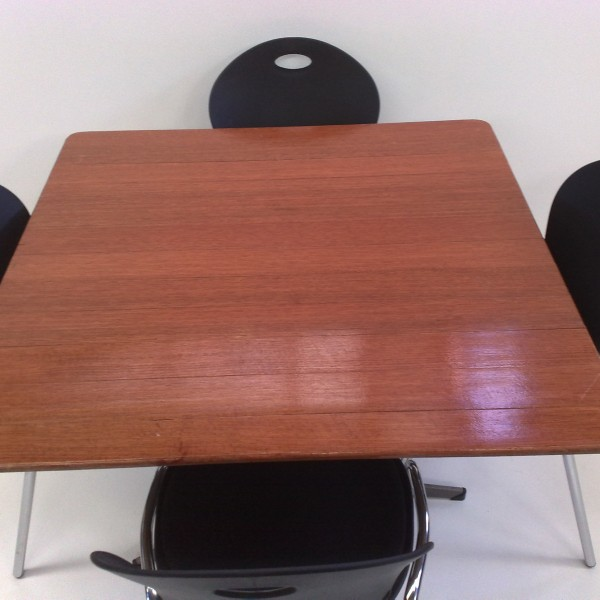 Red Wood 1m Square With Four Cafe Chairs